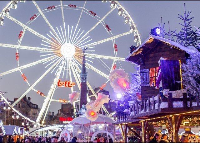ferris wheel fair amusement park ride park outdoor recreation tourist attraction recreation festival amusement ride