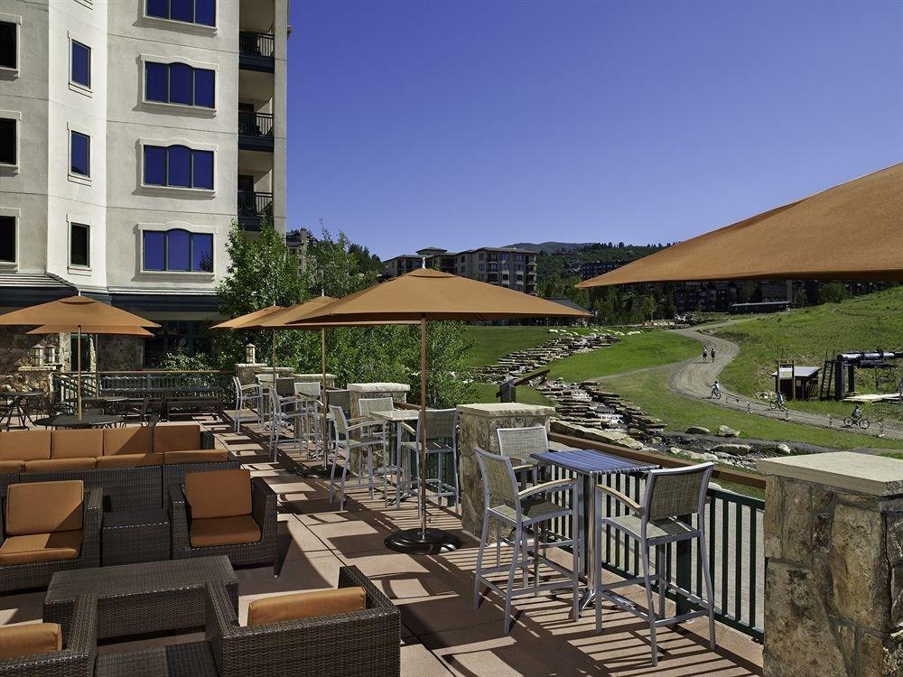 Balcony Classic Deck Resort Scenic views building property Town Architecture residential area condominium