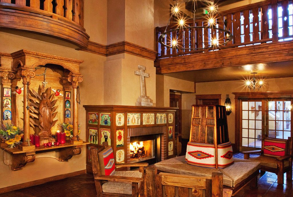 Architecture Boutique Fireplace Lobby Rustic building house home Bar restaurant tourist attraction