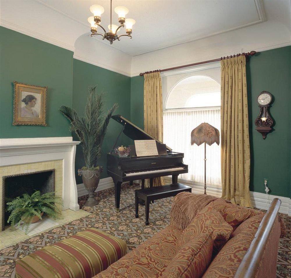 B&B City Lounge Romantic sofa property living room Bedroom home hardwood green cottage Suite Villa mansion farmhouse
