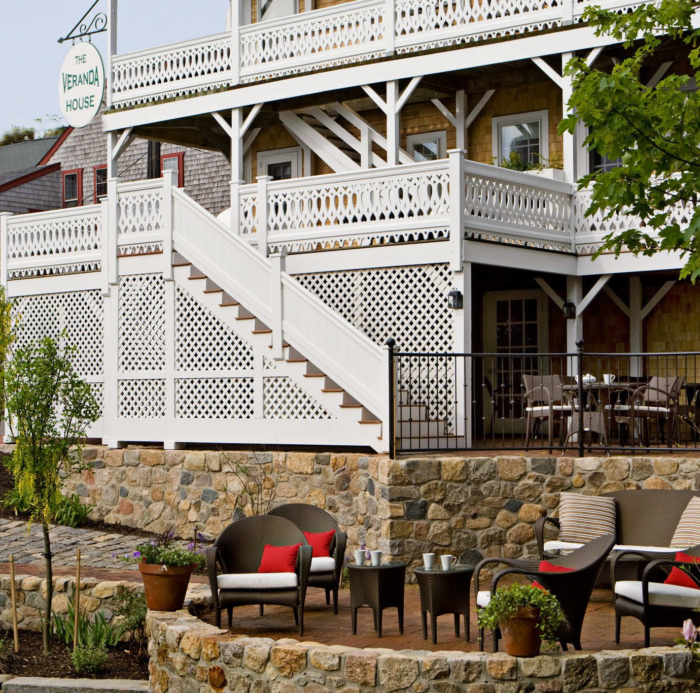 B&B Boutique Exterior Grounds Inn tree building house Town home residential area Resort cottage Village