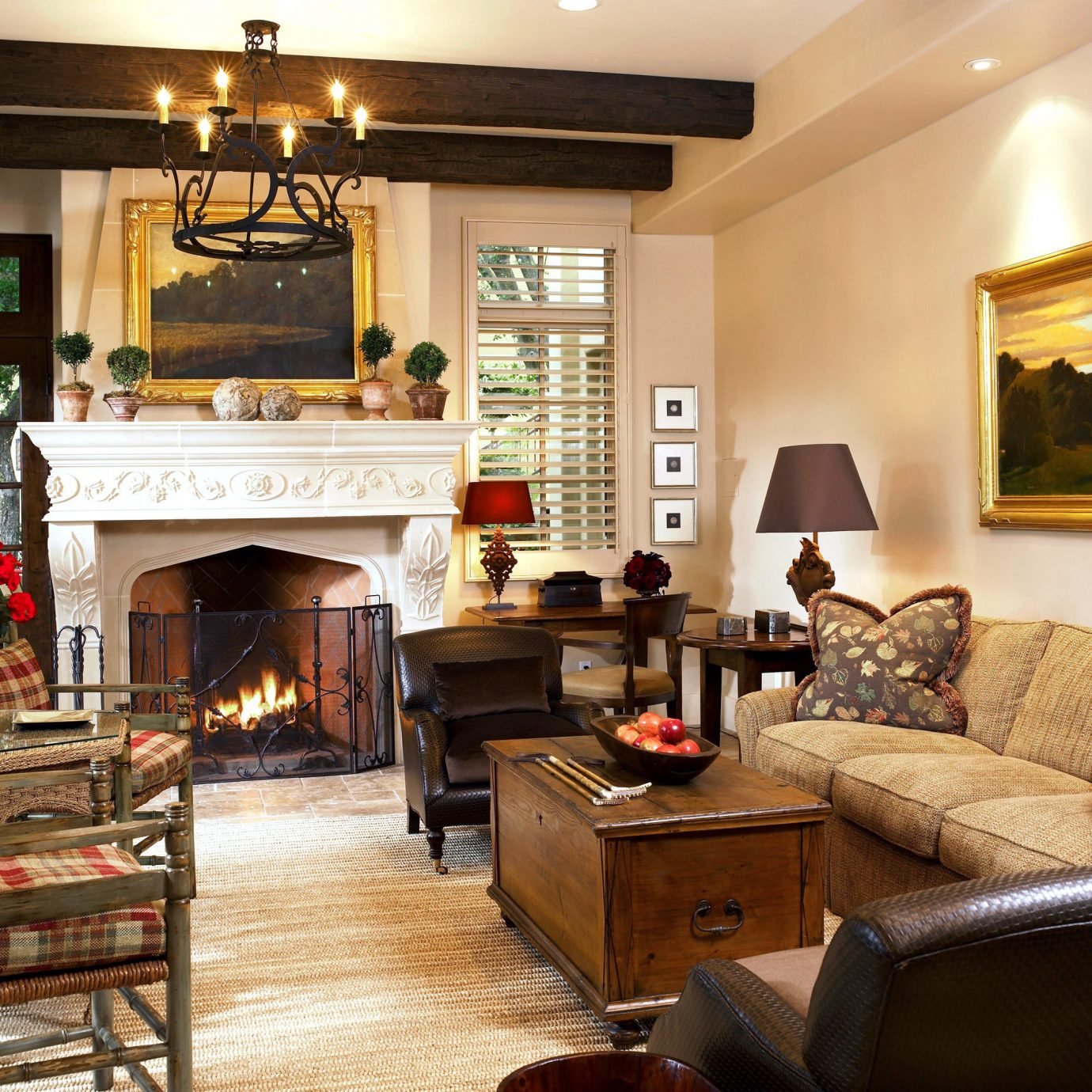 B&B Boutique Fireplace Inn Lounge sofa living room property chair home cottage Lobby mansion Villa