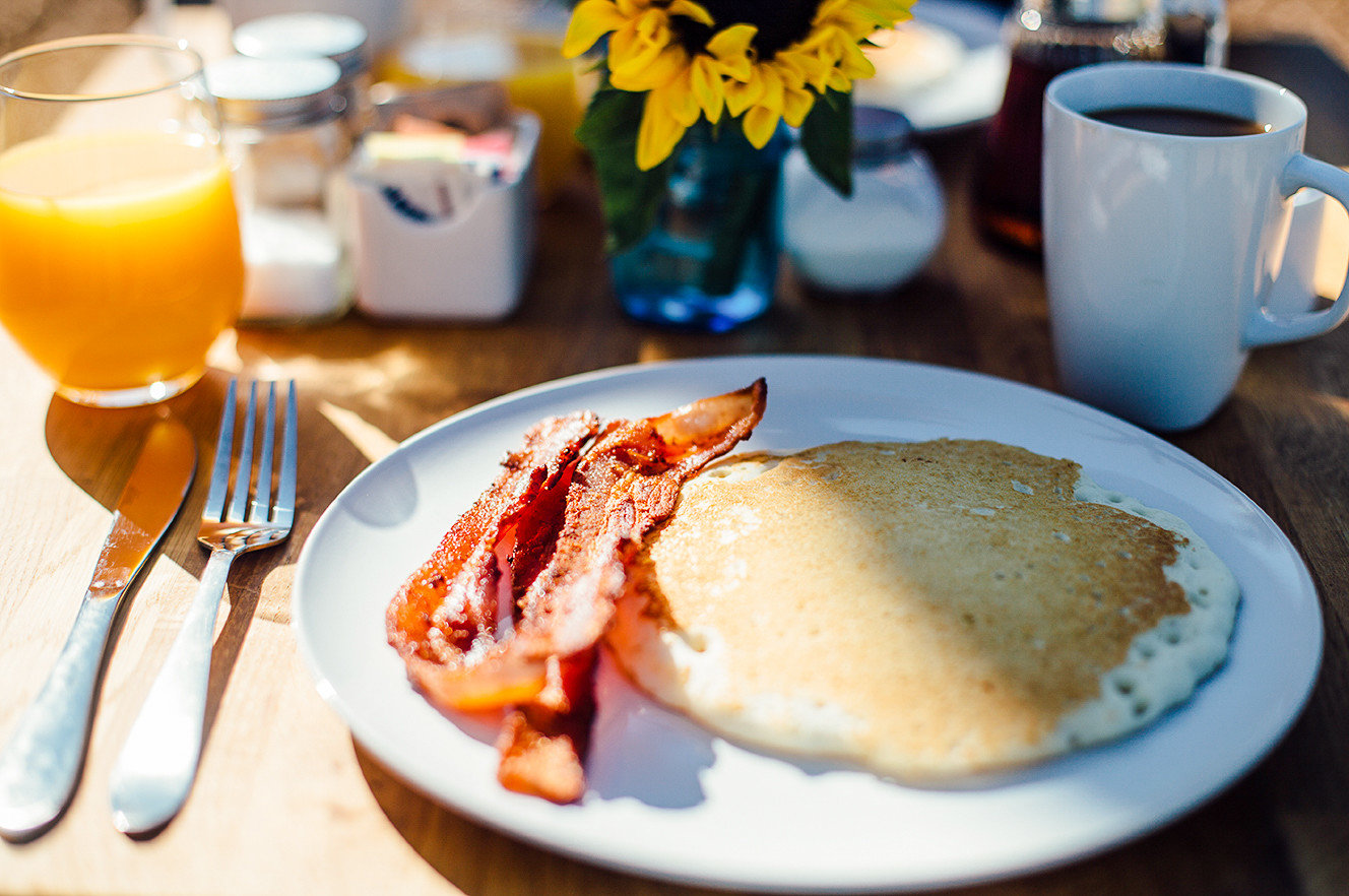 Offbeat plate table food cup meal breakfast coffee brunch dish full breakfast junk food pancake orange
