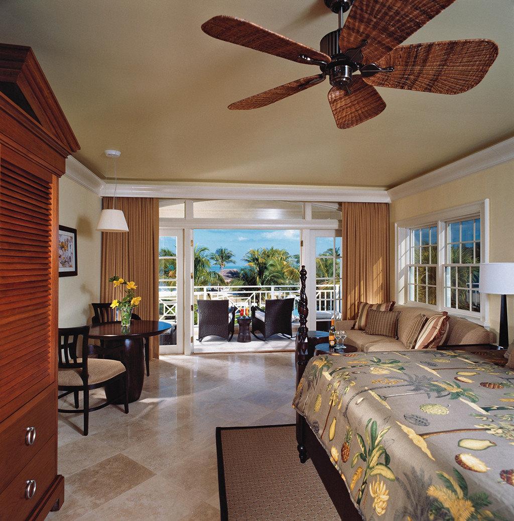 Balcony Beachfront Bedroom Classic Resort property home living room cottage Villa