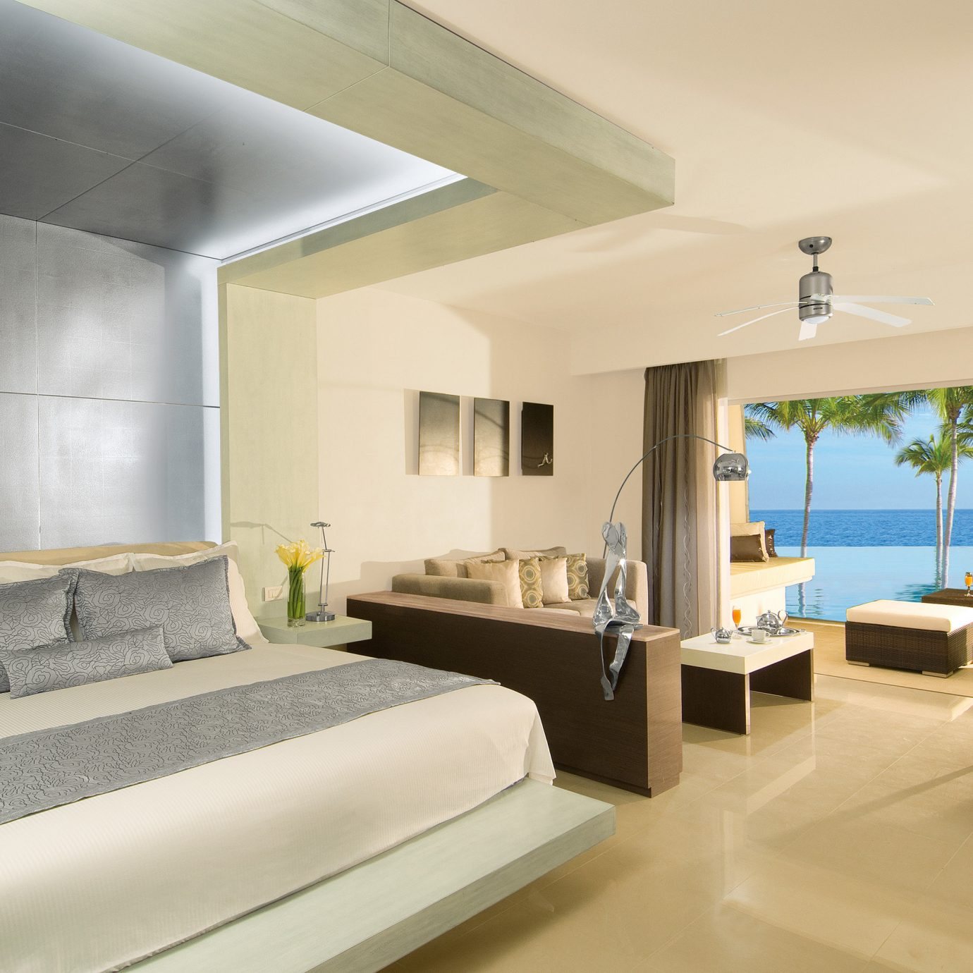 Balcony Beachfront Bedroom Elegant Hip Luxury Modern Scenic views Suite property condominium Villa living room clean