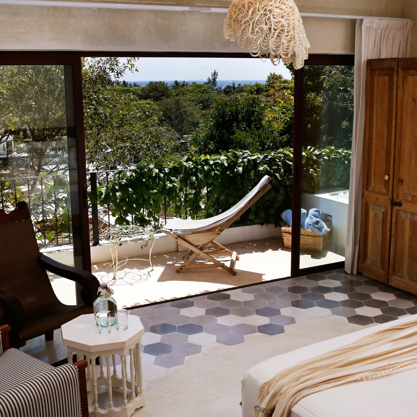 Balcony Bedroom Boutique Budget Rustic Tropical property house home living room Villa cottage Suite farmhouse