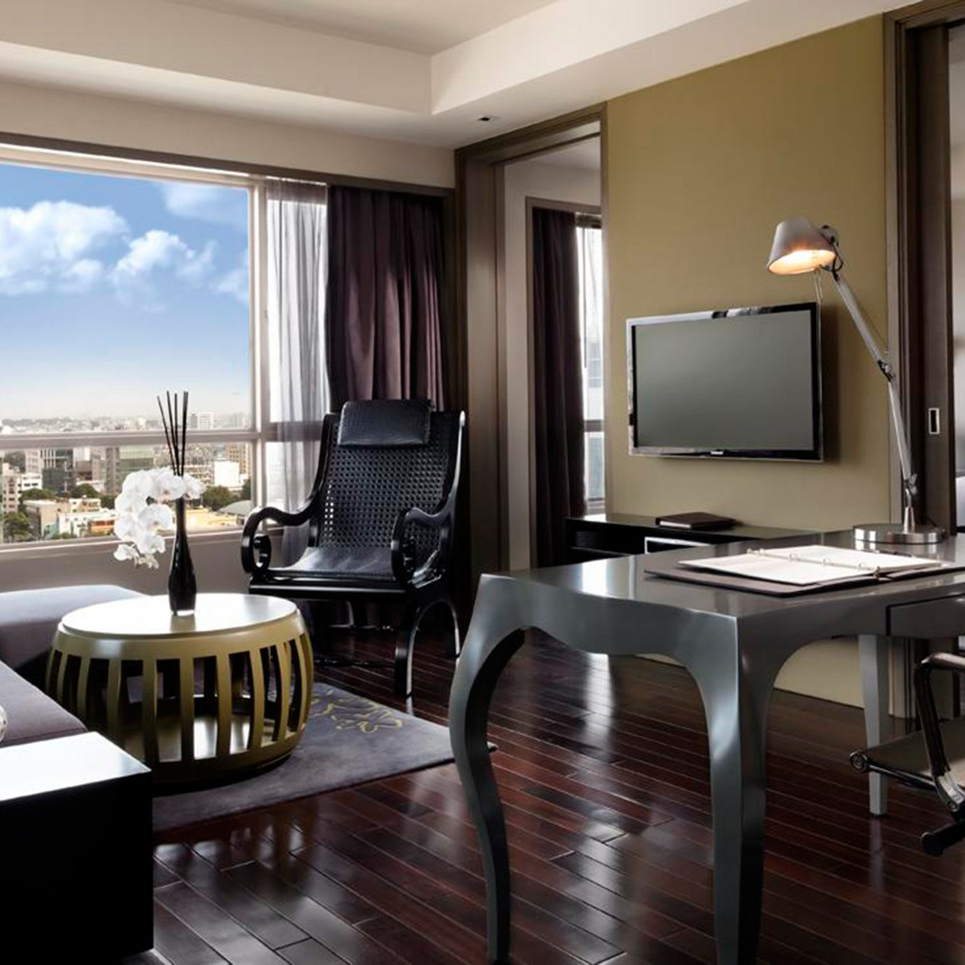 Balcony Bedroom City Entertainment Resort Scenic views property chair condominium living room Suite home dining table