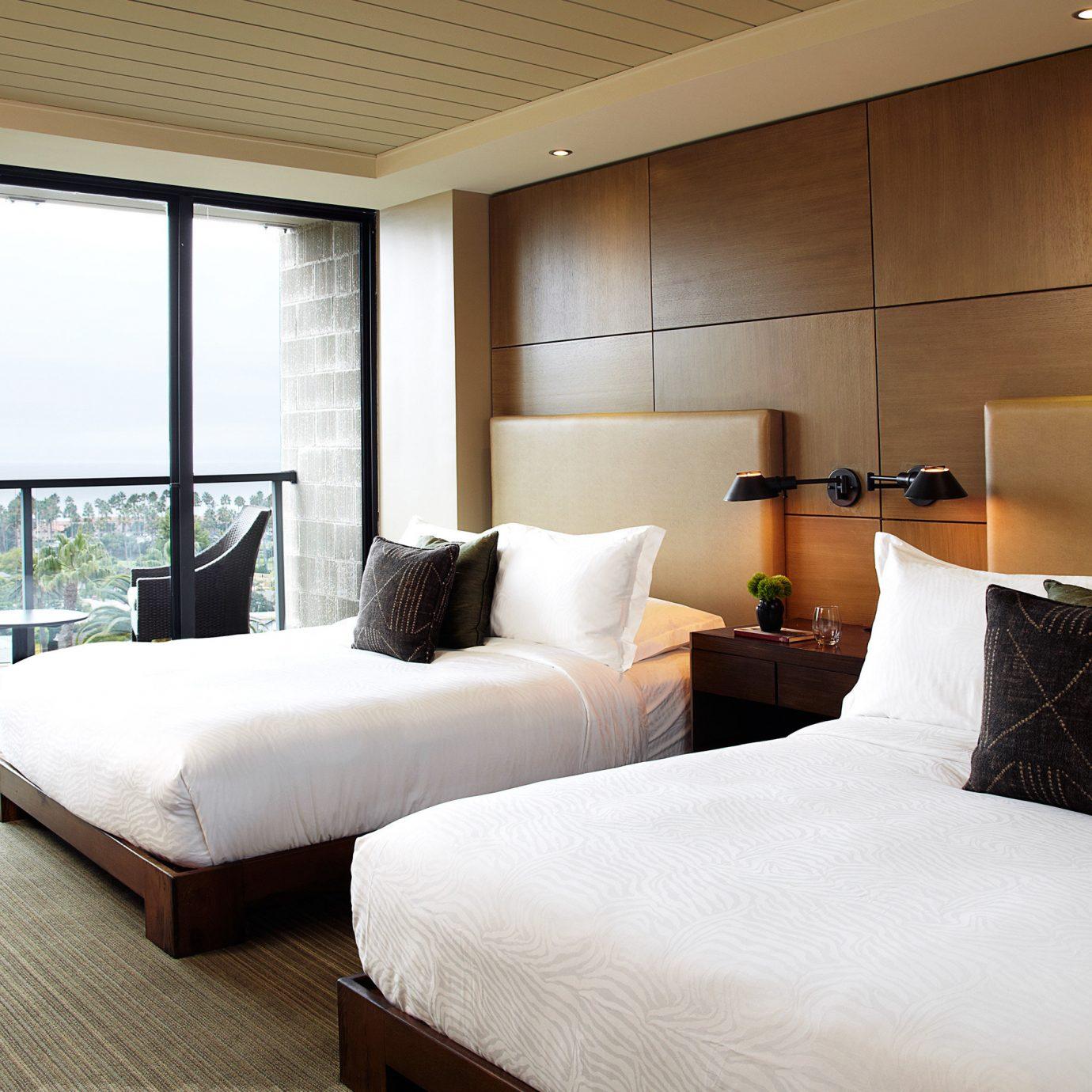 Balcony Bedroom Hip Hotels Trip Ideas property Suite condominium living room nice cottage