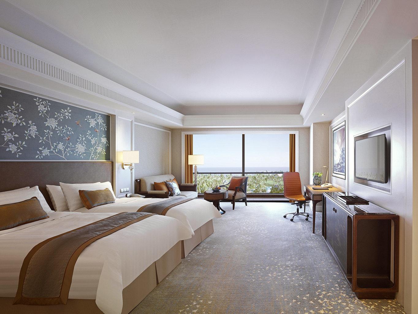 Balcony Bedroom Luxury Modern Scenic views Suite property living room home condominium mansion