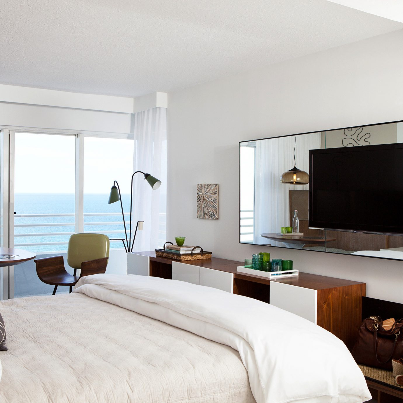 Balcony Bedroom Modern Scenic views Waterfront property living room home Suite cottage Villa condominium flat