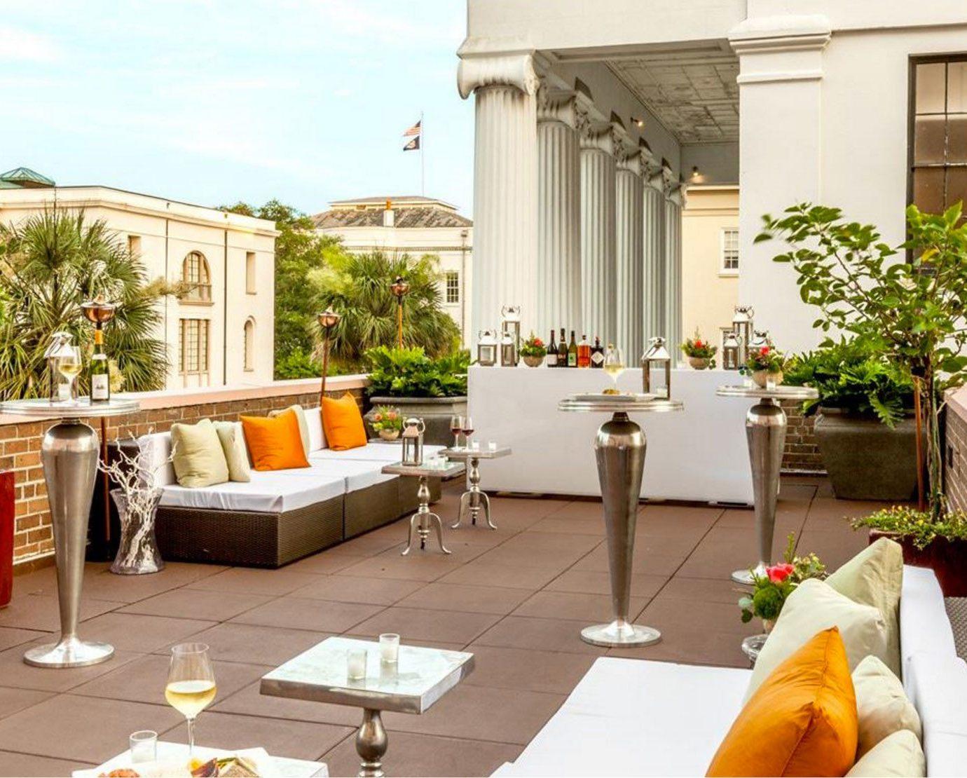 property Courtyard Villa home restaurant backyard condominium hacienda outdoor structure cottage porch Balcony