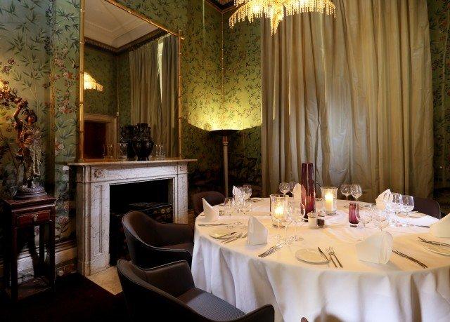 curtain function hall restaurant ballroom dining table
