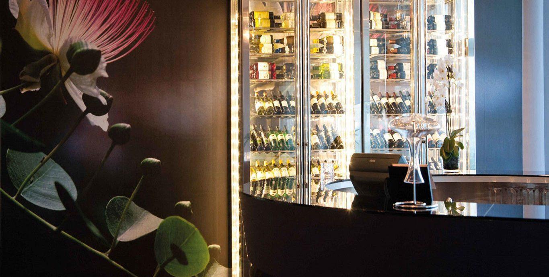 floristry display window art retail modern art restaurant glass Bar tourist attraction