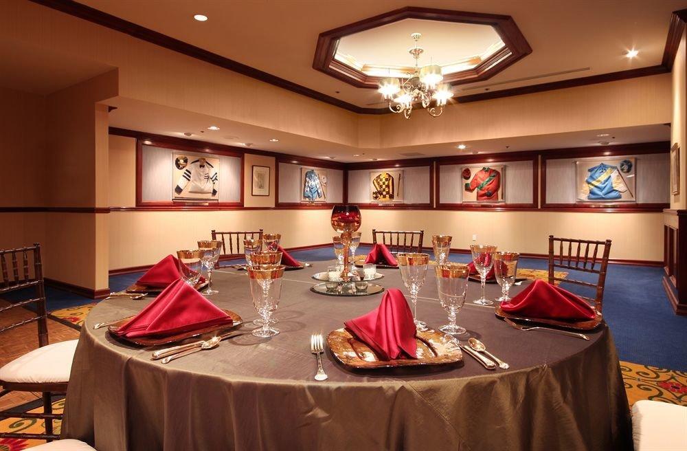 Bar Dining Drink Eat Luxury function hall recreation room billiard room restaurant conference hall ballroom banquet Bedroom