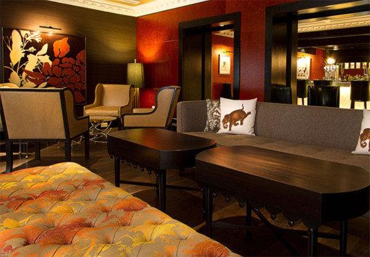 restaurant Lobby Bar living room Suite recreation room Bedroom