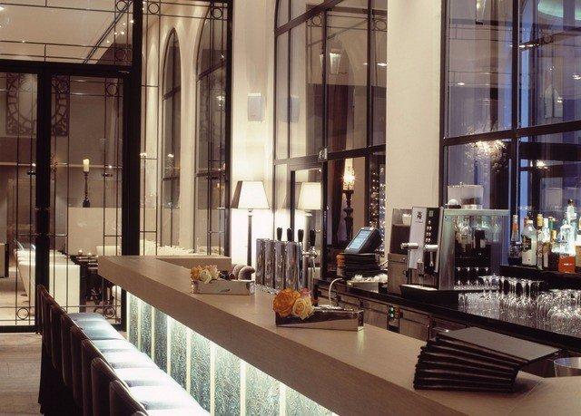 Lobby restaurant condominium Bar Boutique