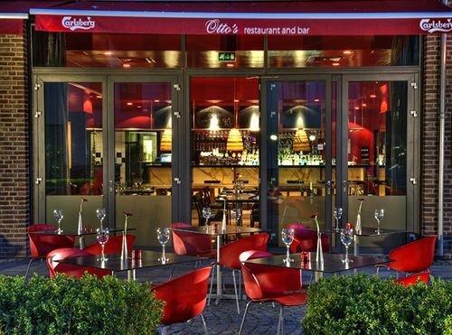 building red Bar scene restaurant