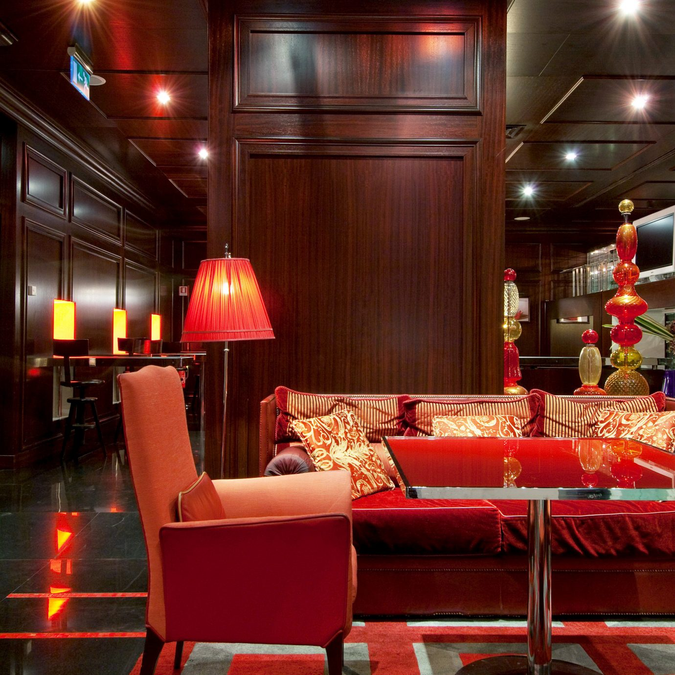 Bar Dining Drink Eat Elegant Hip Luxury Modern Nightlife red Lobby restaurant function hall nightclub light theatre movie theater