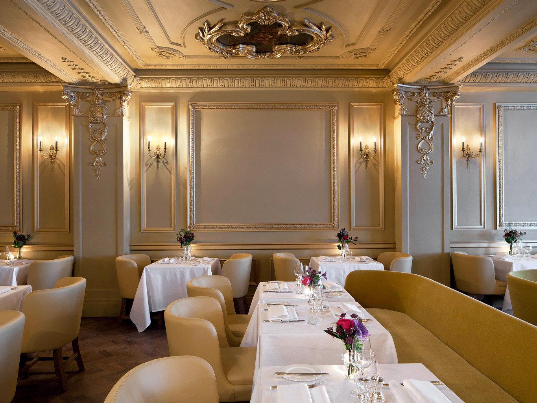 Bar Dining Drink Eat Elegant Luxury function hall restaurant Suite conference hall living room ballroom Lobby