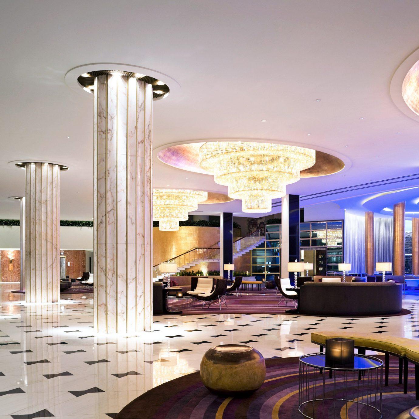 Bar Drink Lobby Lounge Play Pool Resort property condominium lighting mansion convention center