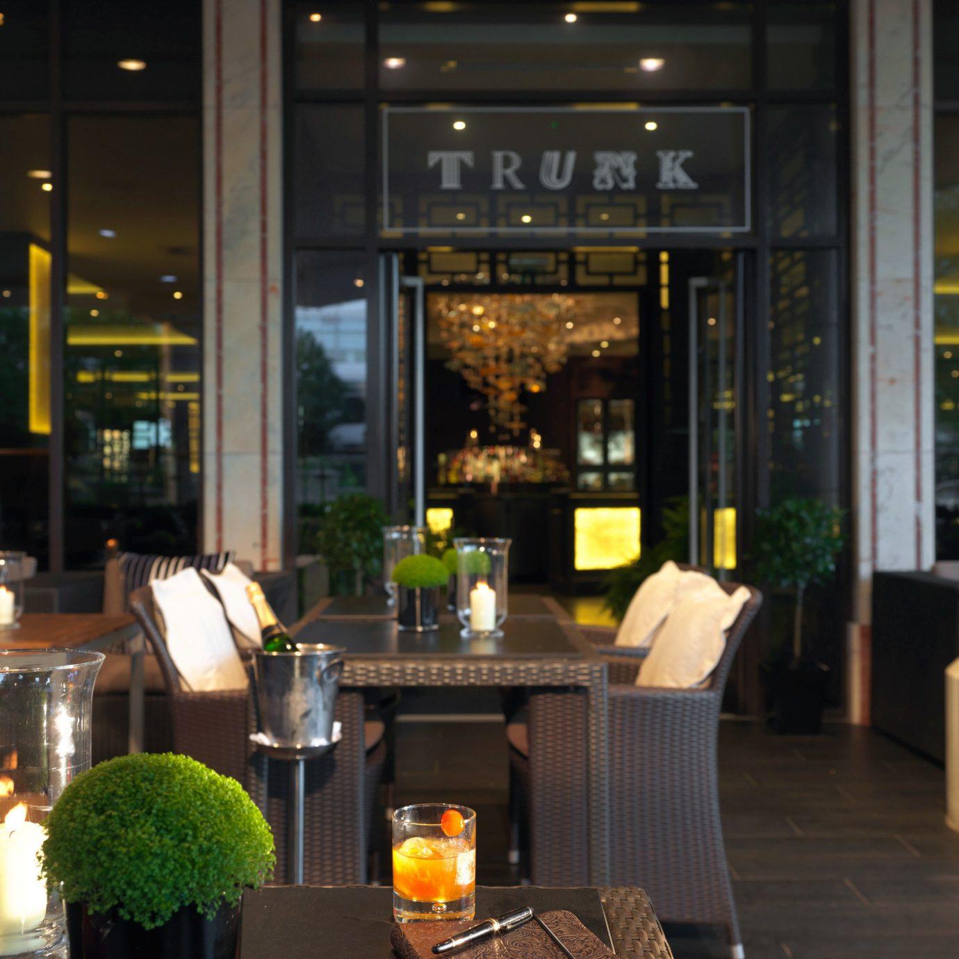 Lobby restaurant lighting Bar