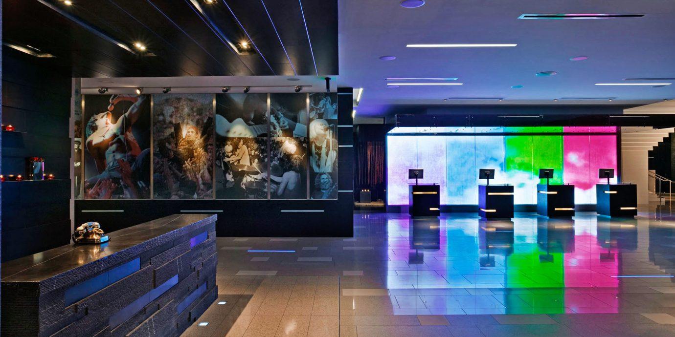 nightclub recreation room Bar