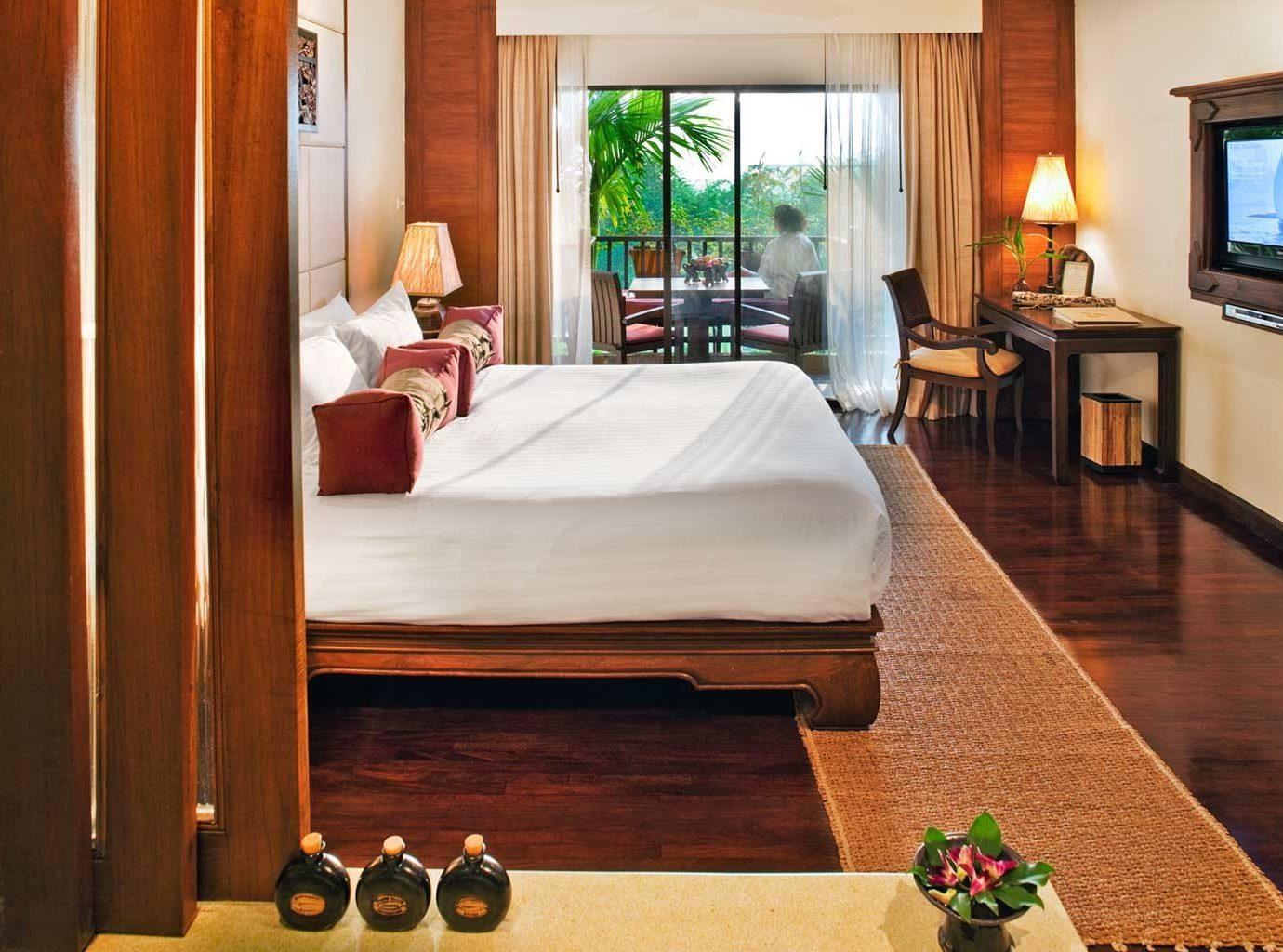 Bath Bedroom Luxury Patio Romantic Scenic views Suite property home cottage Resort Villa