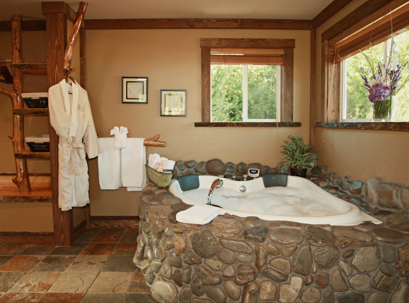 Bath Cabin Hot tub property home cottage living room farmhouse