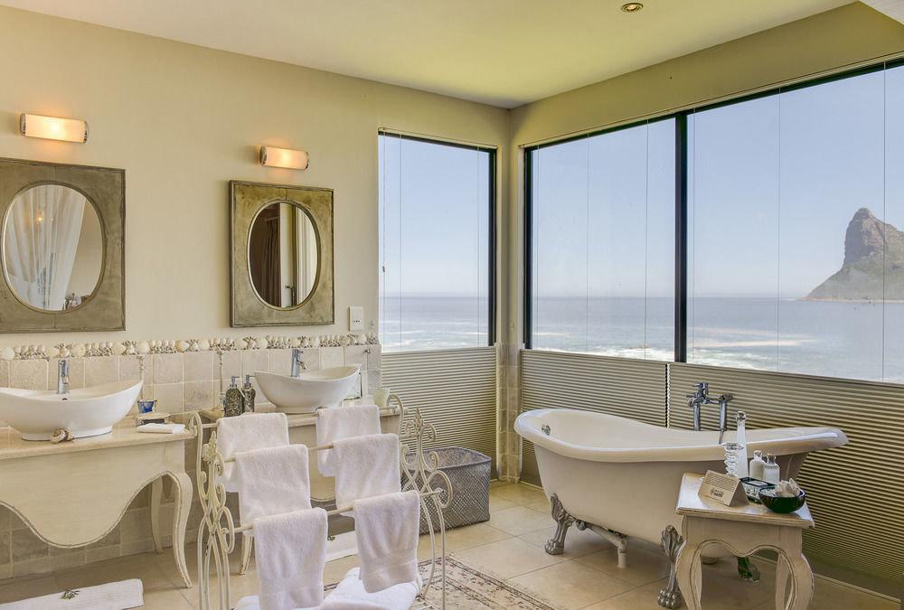 property Suite Villa condominium cottage Resort tub Bath