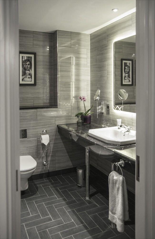 bathroom sink home white plumbing fixture countertop flooring tile bathtub tiled