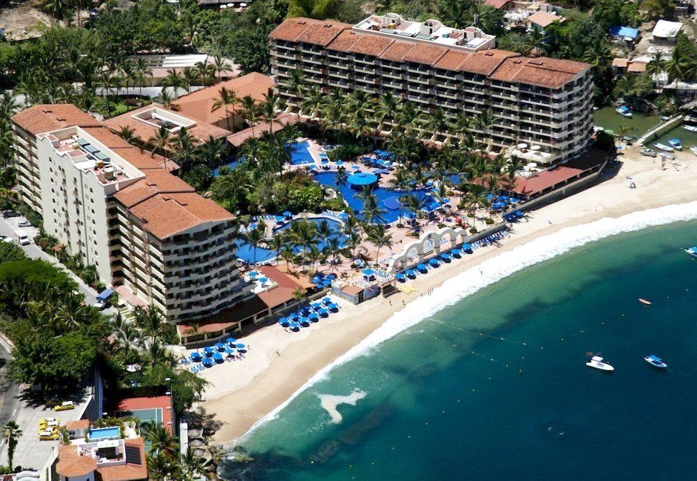 Beach Beachfront Ocean Romantic Scenic views Resort swimming pool Water park resort town amusement park