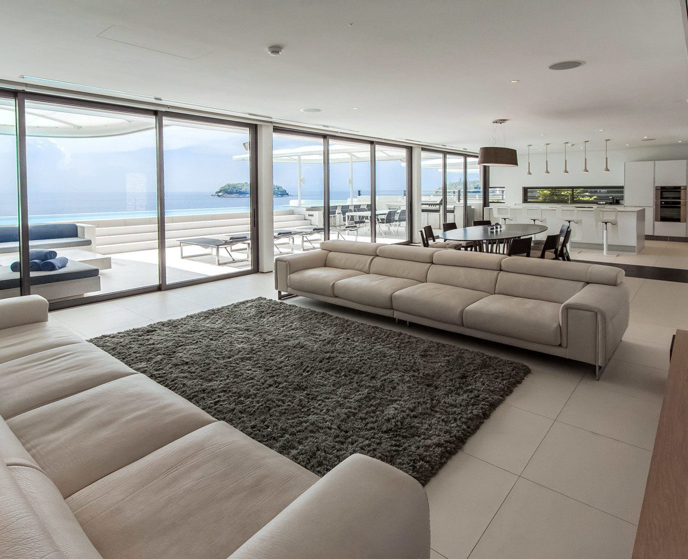 Beachfront Dining Hip Kitchen Luxury Modern Party Scenic views Suite sofa property condominium yacht living room passenger ship home vehicle Villa cottage overlooking