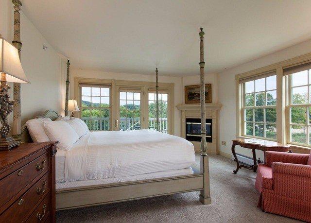 Bedroom property home living room hardwood cottage bed frame