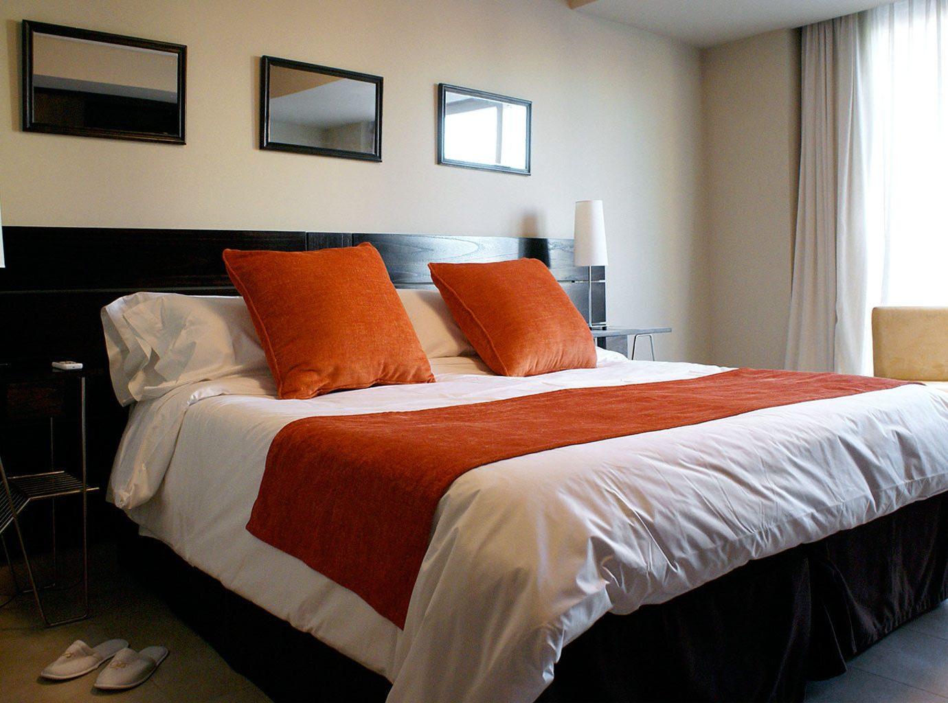 Bedroom Boutique Budget City Modern property Suite orange cottage bed sheet bed frame