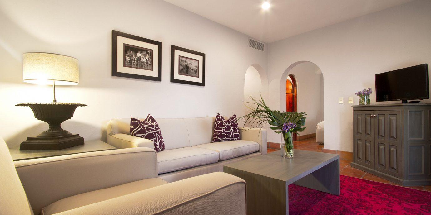 Bedroom Boutique Business Modern Romantic Suite sofa property living room home condominium flat