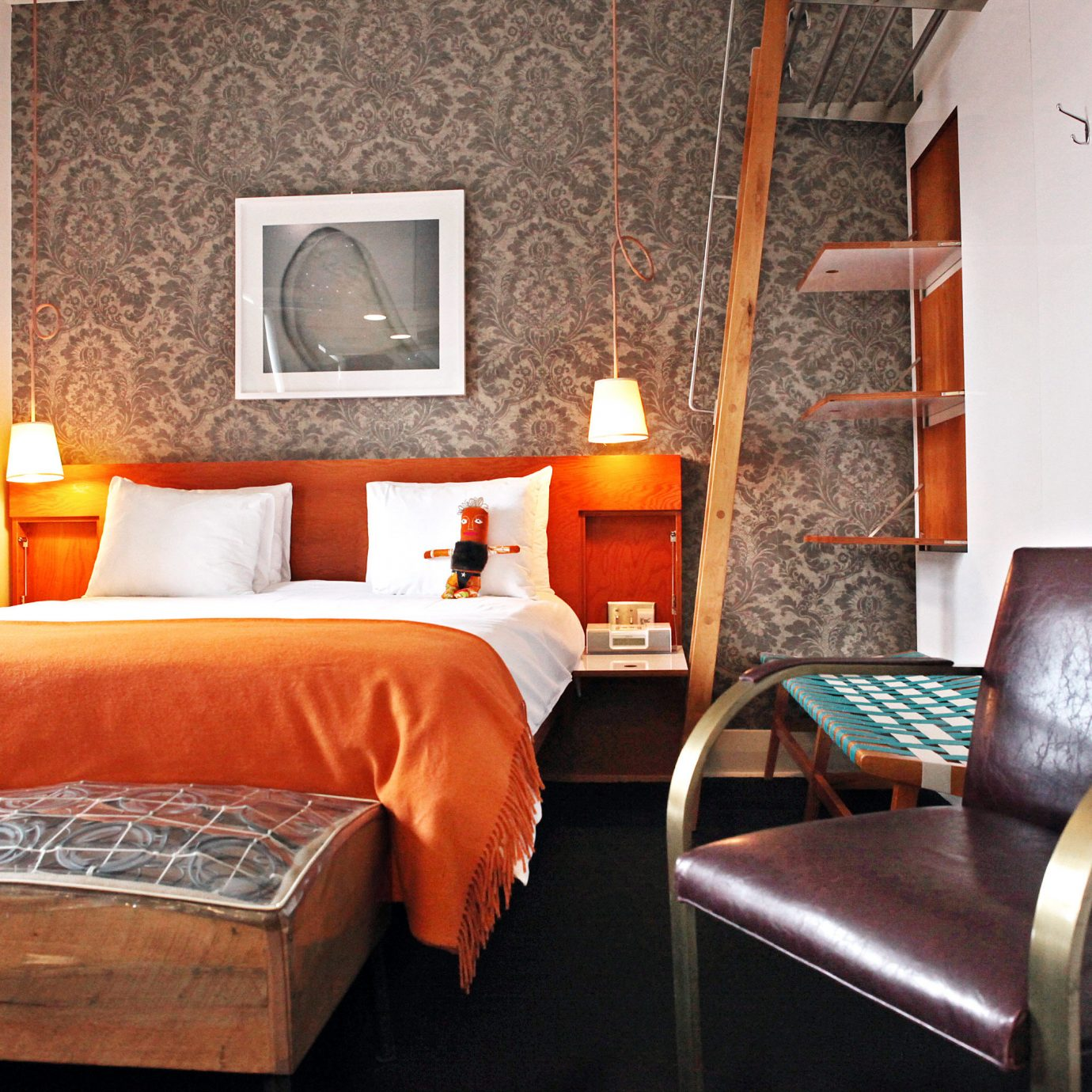 Bedroom Boutique City Girls Getaways Hip Modern Trip Ideas Weekend Getaways chair property Suite cottage home living room