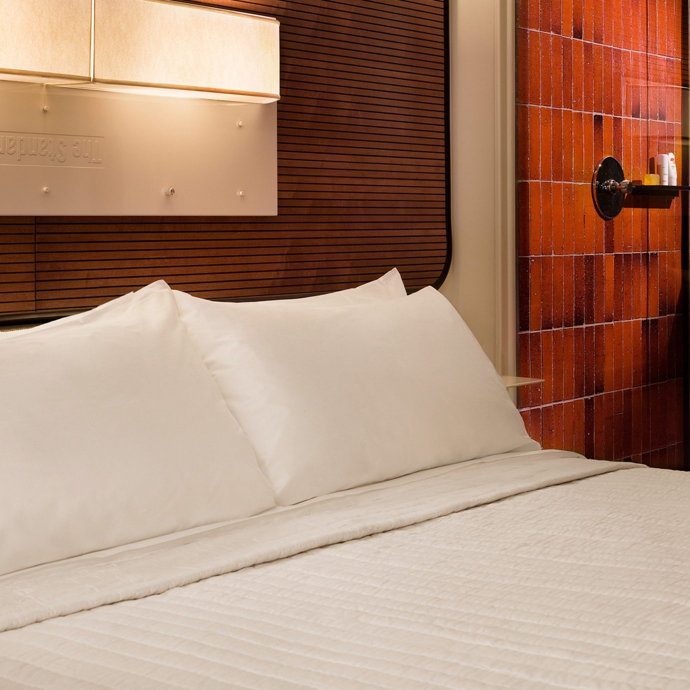 Bedroom Boutique City Hip Suite bed sheet pillow