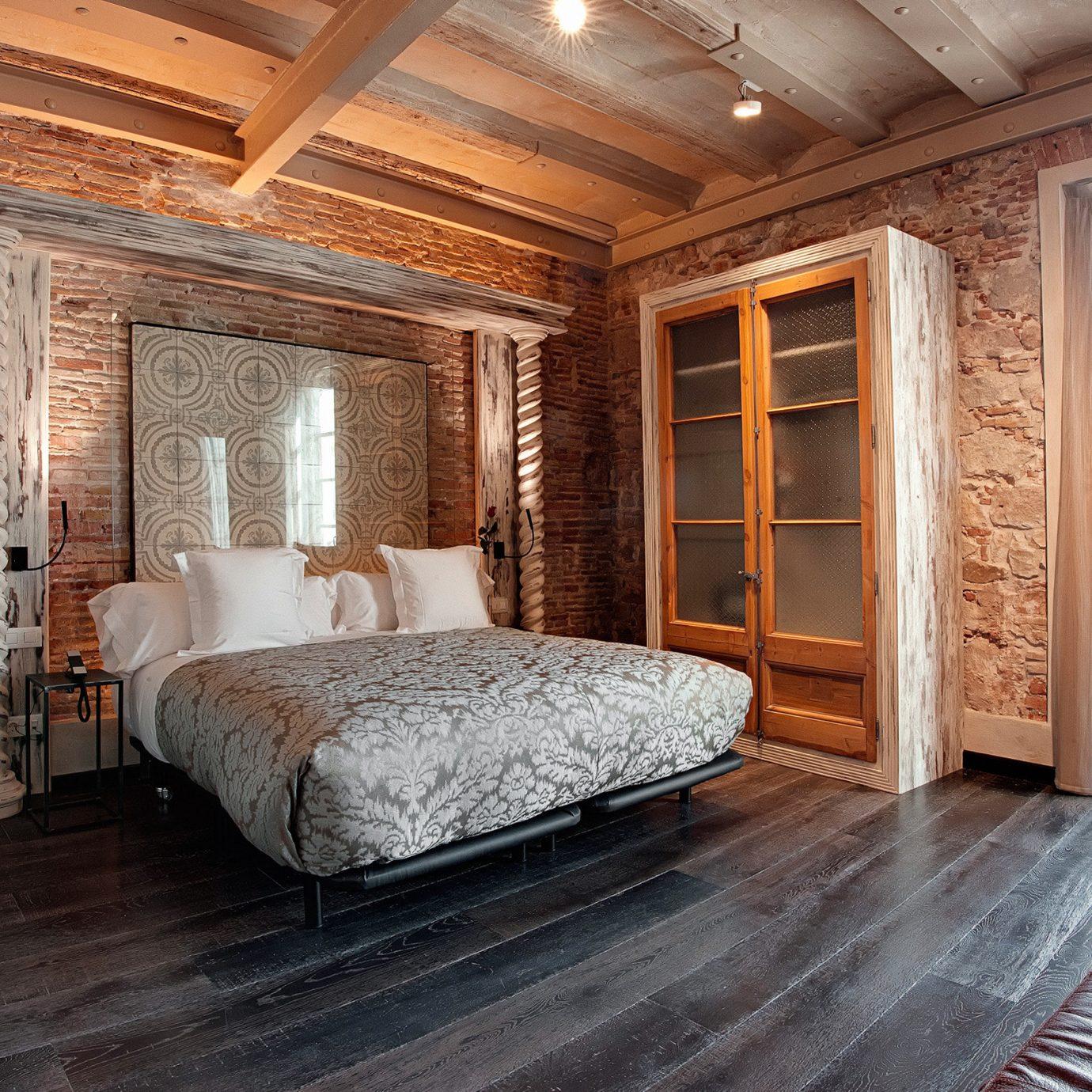 Bedroom Boutique Hip Historic Luxury property hardwood cottage Suite home farmhouse wood flooring living room mansion
