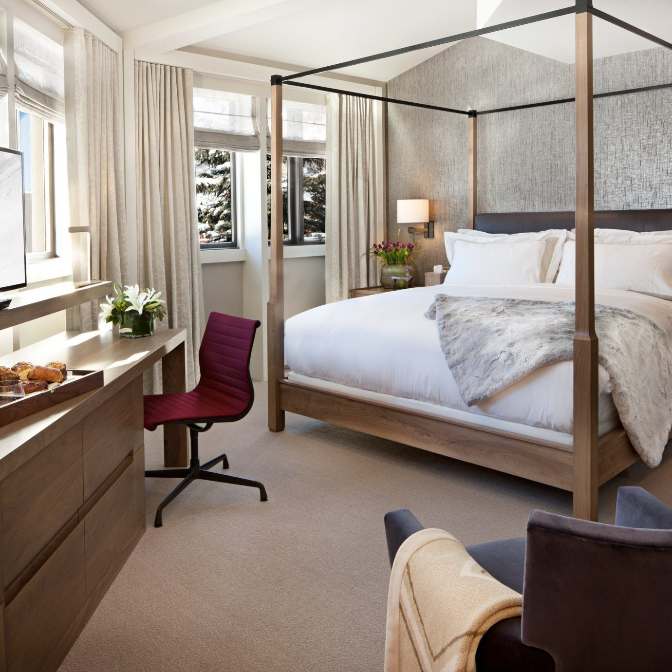 Bedroom Celebs Hotels Modern Scenic views Trip Ideas property living room home Suite cottage condominium