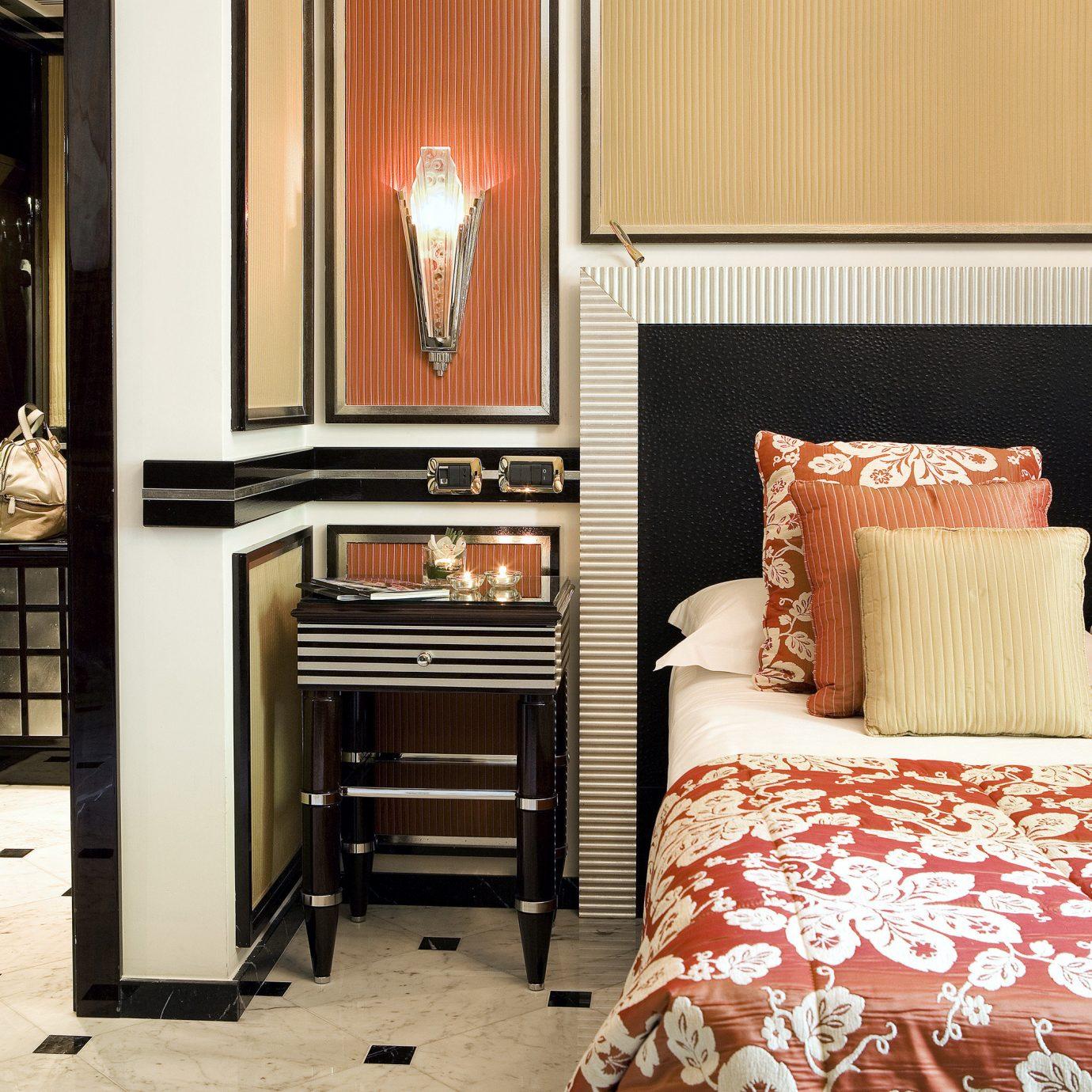 Bedroom City Classic Elegant Luxury Suite property home hardwood living room bed sheet cottage flooring textile