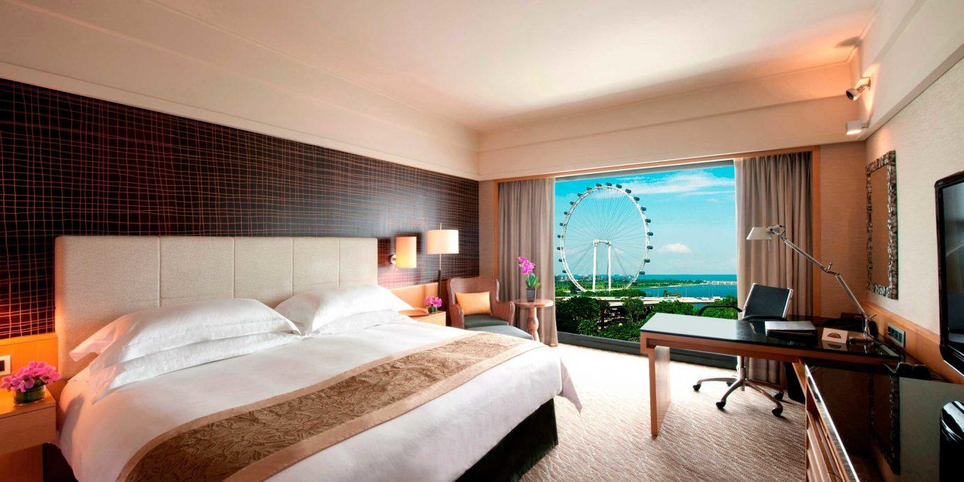 Bedroom City Classic Luxury Resort Scenic views property Suite condominium Villa cottage living room