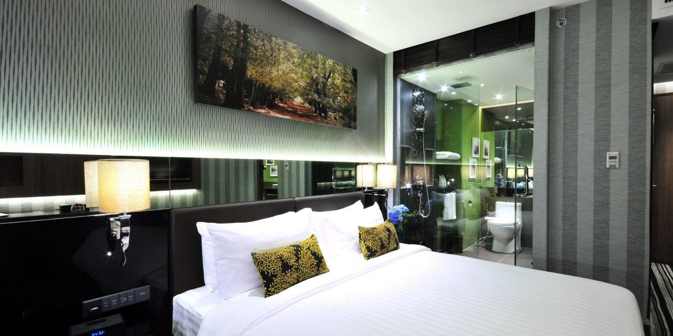 Bedroom City Modern property condominium home pillow Suite living room white