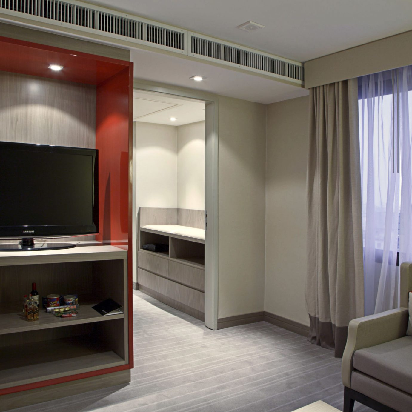 Bedroom Classic Entertainment Resort Suite television property living room home screen condominium flat