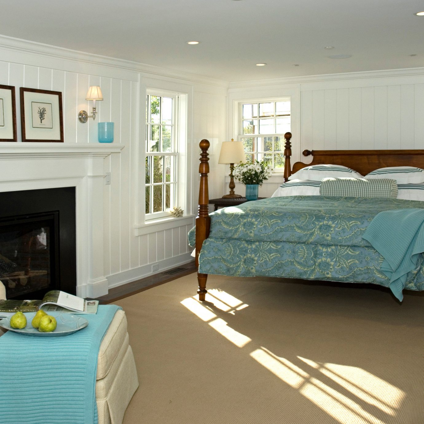 Bedroom Classic Fireplace Waterfront property home living room cottage Suite