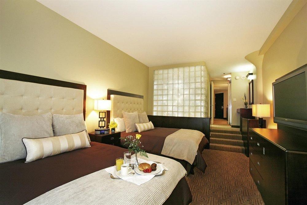 Bedroom Classic property Suite cottage living room condominium Villa