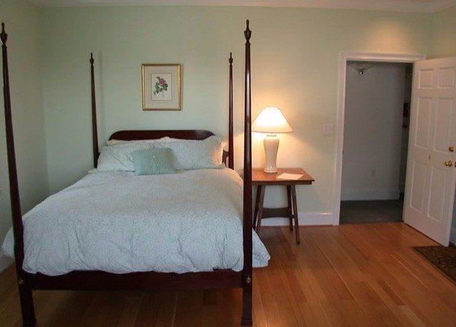 Bedroom property cottage wooden hardwood home lamp