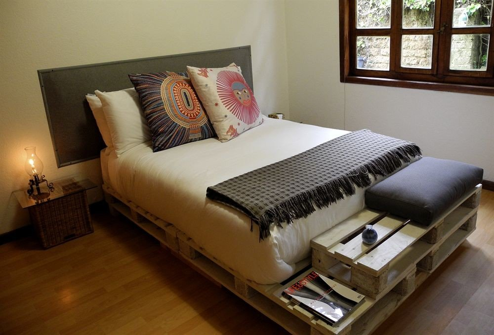 Bedroom Elegant Hip Luxury Modern Suite property living room bed frame home bed sheet studio couch cottage