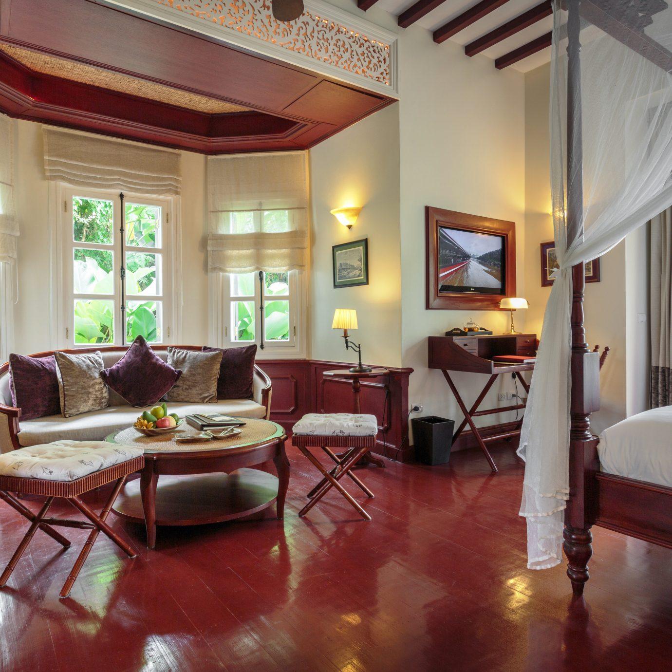 Bedroom Elegant Historic Luxury Suite property living room house home condominium Villa mansion Resort