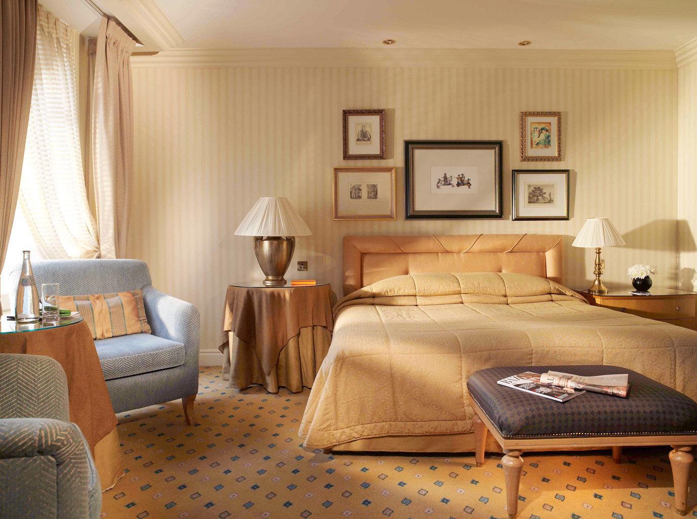 Bedroom Elegant Lounge Suite property living room home cottage bed sheet bed frame