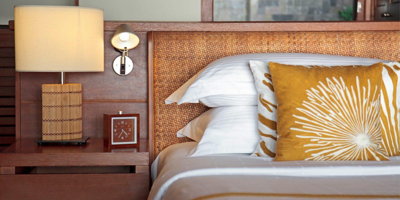 Bedroom Elegant Luxury Modern Suite property home living room bed sheet cottage bedclothes